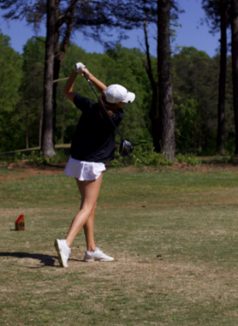 Women's Golf Season Ends With Conference Game